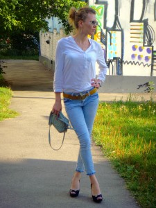 Russian street style often includes high heels