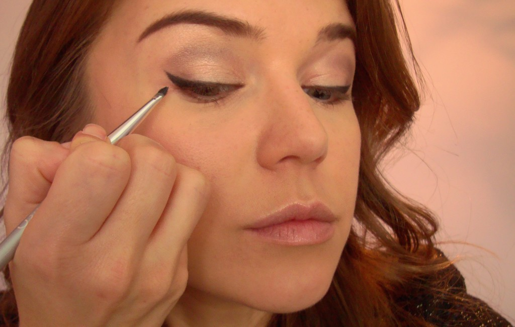 Winged eyeliner application