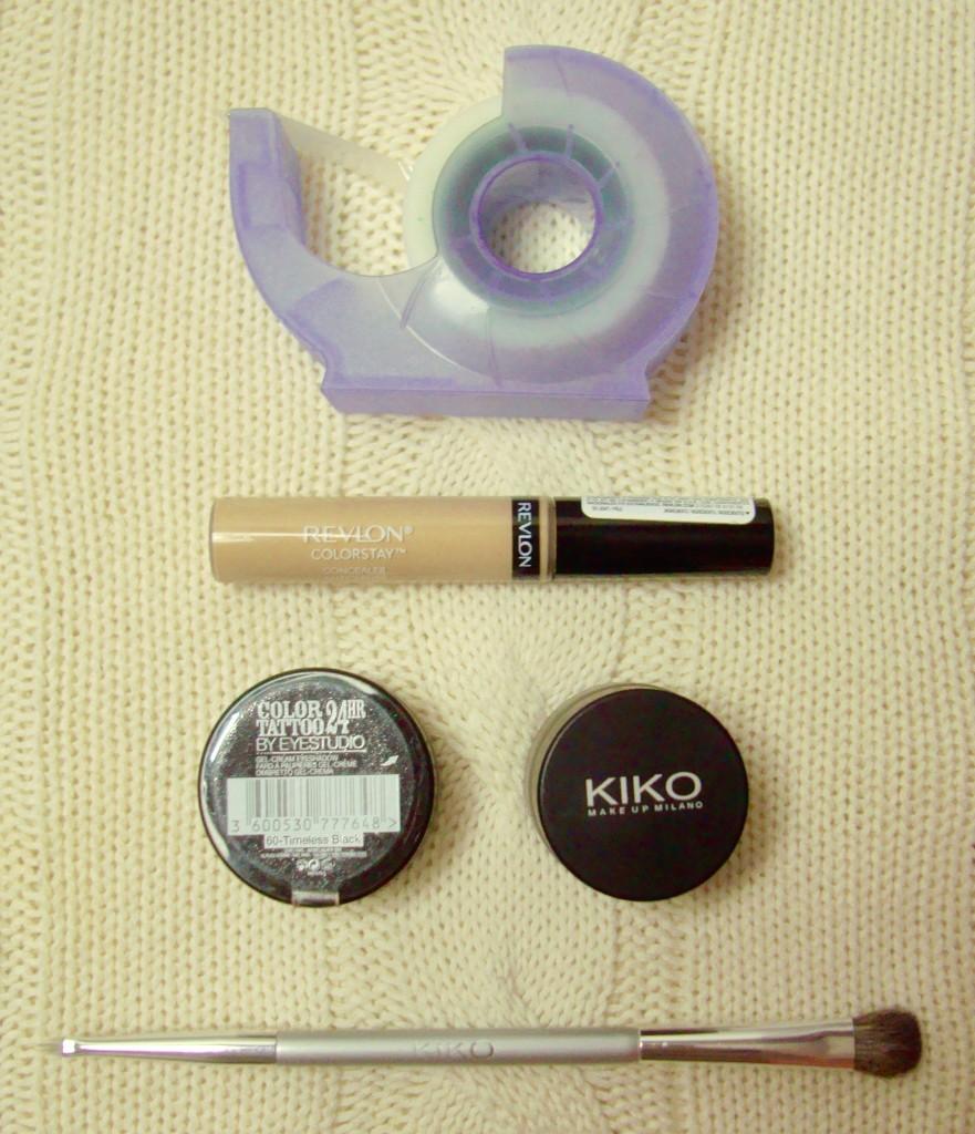 winged eyeliner tools
