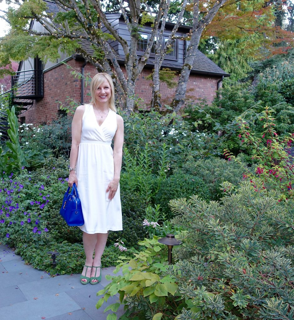 #OOTN - White dress in the garden
