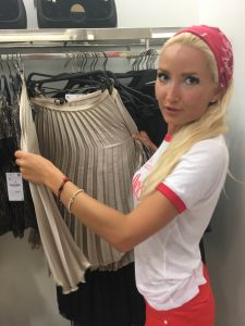 Liliya discovering the skirt