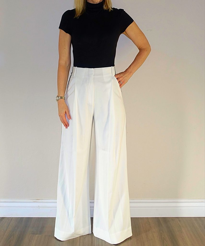 Wide-legged pants outfit