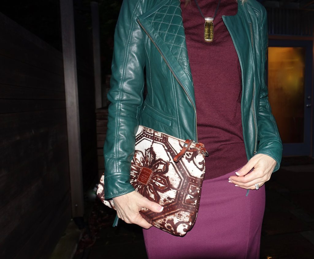Red and green outfit, 4