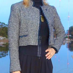 Short jacket with blue details