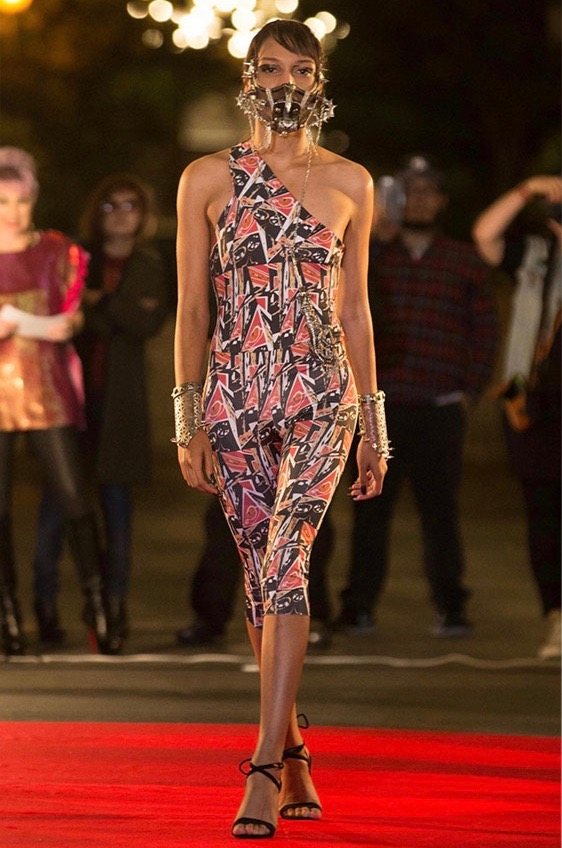 LVM mask on the runway, SFFW